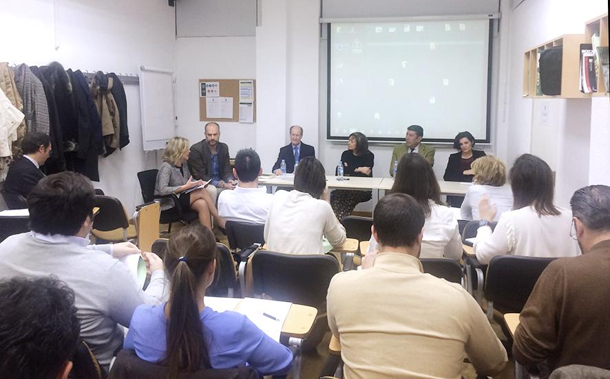 Interesante Debate sobre Política Sanitaria y perspectivas de la Sanidad Pública y Privada